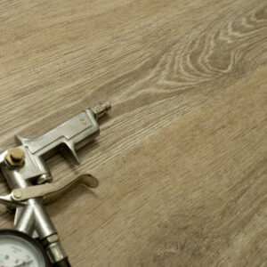 "Кварц-виниловая плитка Fine Floor Gear Click FF-1805 ""Дуб Инди"""
